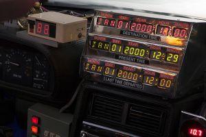 640px-TeamTimeCar.com-BTTF_DeLorean_Time_Machine-OtoGodfrey.com-JMortonPhoto.com-04